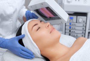 Lehrgang Chemische Peeling gegen Pigmentstörung ink. Woodlampe Hautdiagnosegerät